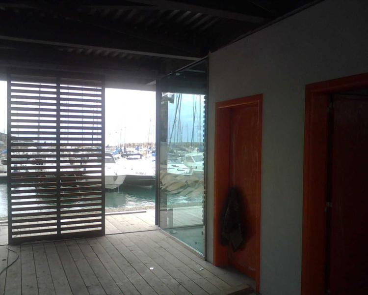 Predari vetri vetrata isolante selettiva - Finestre con pannelli solari ...